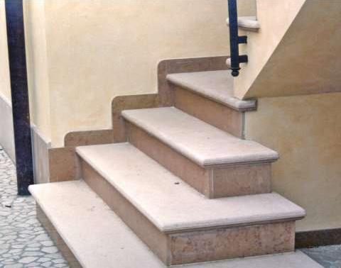 Zaccaria marmi ravenna scale in marmo da interno ed esterno - Gradini in marmo per esterno ...